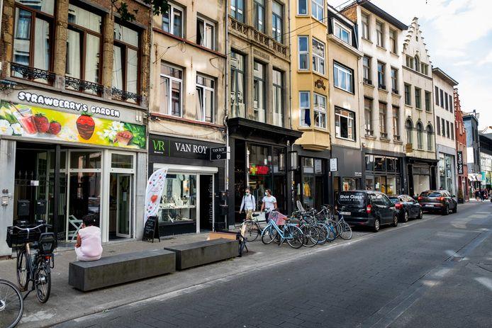 Tijdens de zomersolden is er dit jaar wel verkeer toegestaan in de Kammenstraat. Parkeren mag dan weer niet.