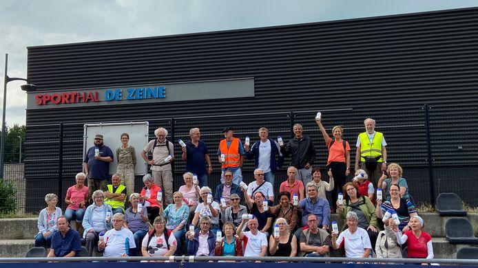 Deelnemers aan de Diabetes Challenge in Waalwijk, met Lilianne Kuijpers rechtsboven in oranje shirt.