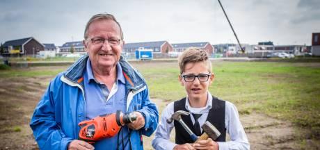 Opa en kleinzoon geven startsein voor bouw Actief College in Oud-Beijerland