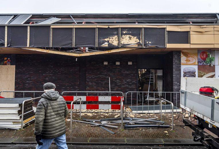 Een supermarkt in Beverwijk werd meermaals getroffen. Beeld ANP