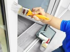 Op deze manier kun je hout, kunststof én metaal met dezelfde verf schilderen