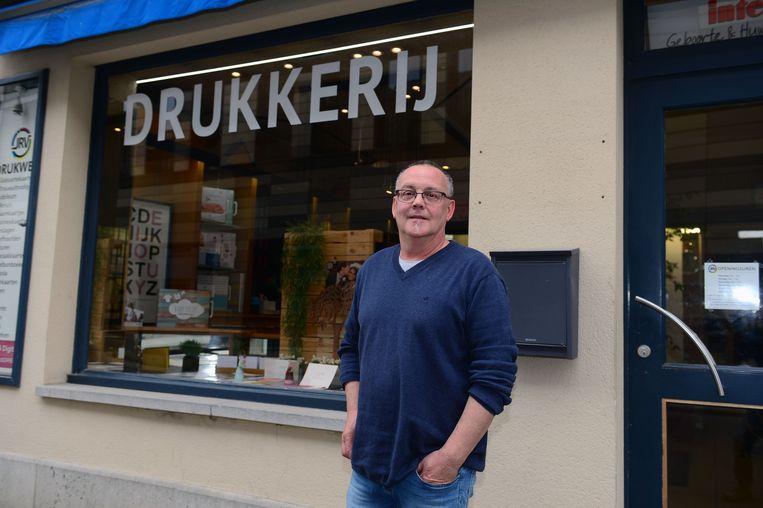 Dirk Reekmans van de gelijknamige drukkerij maakt zich zorgen om de files.