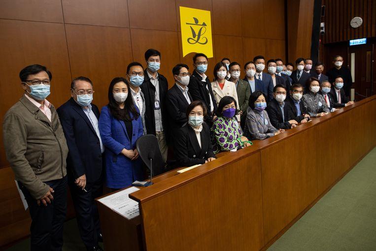 In het vervolg worden de parlementariërs vooraf doorgelicht door een comité om te kijken hoe 'patriottistisch' ze zijn, oftewel:  pro-China. Beeld EPA