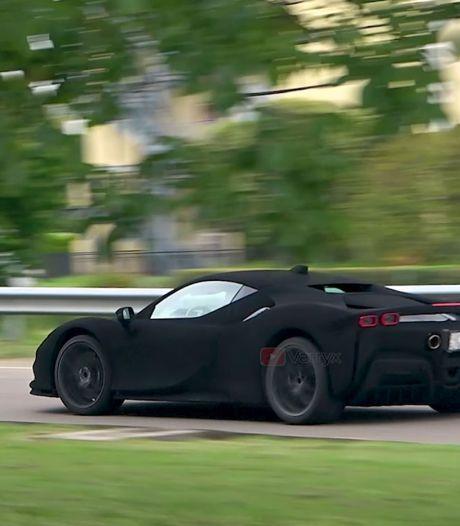 Ferrari gebruikt camouflageverf die zo zwart is dat al het licht wordt geabsorbeerd