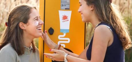 Na Brugge, Turnhout en Kortrijk krijgt ook Gent een smeerpaal waar je gratis zonnecrème kan afhalen