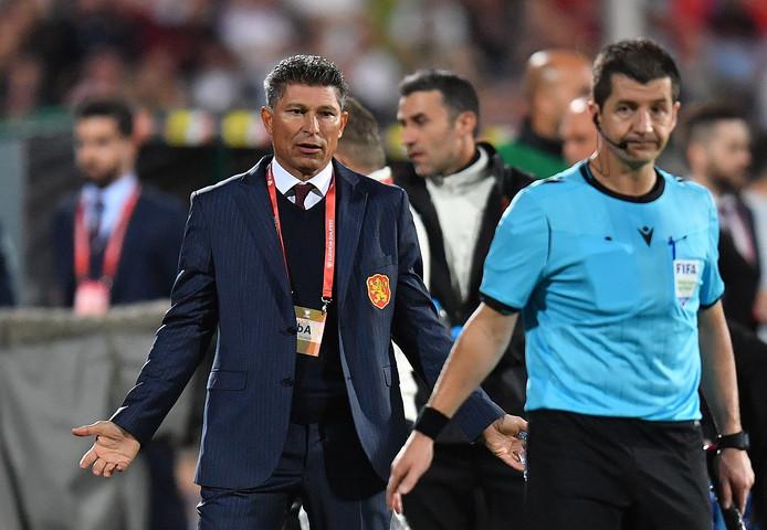 Krasimir Balakov maandagavond tijdens Bulgarije - Engeland (0-6) in Sofia.