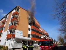 Drie woningen onbewoonbaar door keukenbrand Dordtse flat