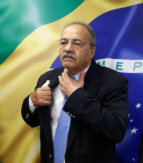 Smerig zaakje: Braziliaanse senator die stapel geld tussen zijn billen stopte ontslagen