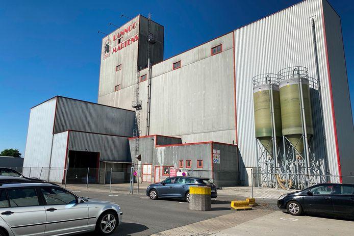 Paardenvoederfabrikant Lannoo Martens verlaat de Joseph Cardijnstraat in het industriepark van Erpe-Mere eind 2023.