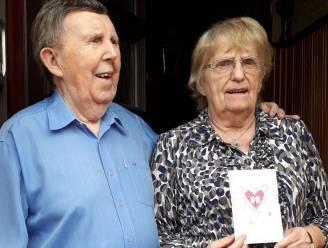 Jeannine Debulpaep (84) en Roger De Quanter blazen 65 huwelijkskaarsjes uit
