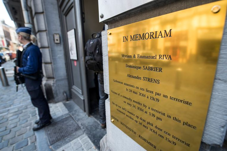Een herdenkingsplaat aan het Joods Museum in Brussel. Beeld Photo News