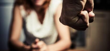 Zo gruwelijk maakt OM het zelden mee: man (44) laat vrouw ontlasting van eigen kinderen eten
