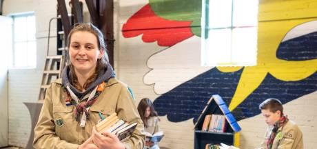 Scouting Zevenbergen maakt drie mini-biebs voor 'zwerfboeken'