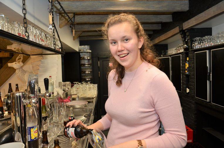 """Emmelien Vandemoortele (20) is klaar voor haar eerste event """"Liefde aan het Meer"""""""