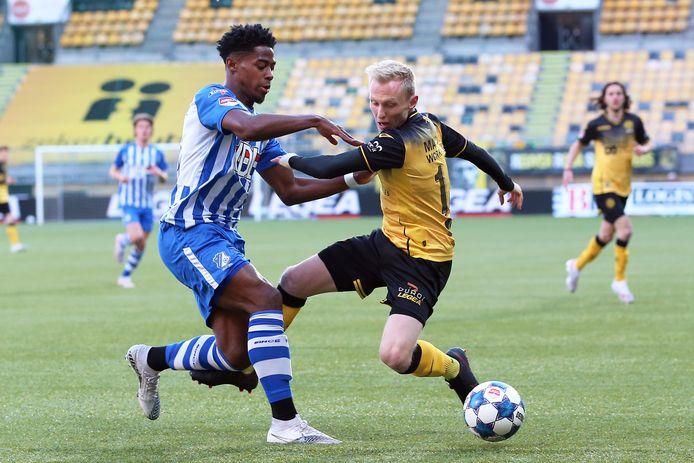 Colin Seedorf vorig seizoen in actie namens FC Eindhoven tegen Roda JC