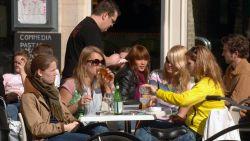 """Horeca Vlaanderen: """"Meeropbrengsten witte kassa moeten terugvloeien naar horecasector"""""""