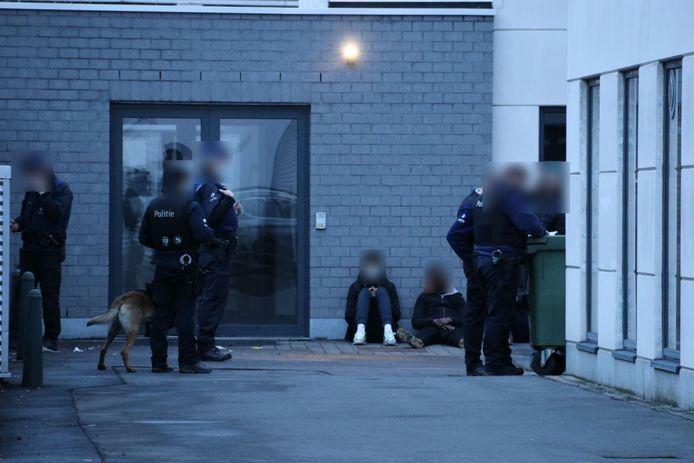 Vorige week waren er ook al problemen aan het station in Aalst, toen pakte de politie veertien personen op.