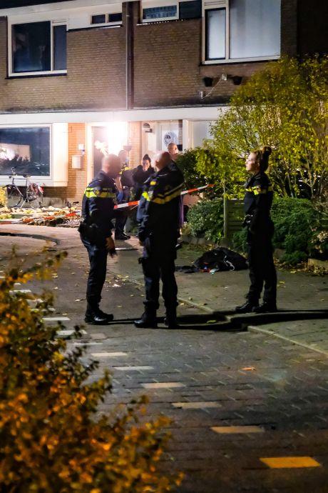 Man (25) zwaargewond bij steekpartij op Salamanderveen in Spijkenisse