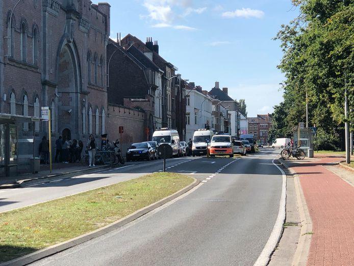 Er was een tijdlang geen doorgaand verkeer mogelijk in de straat Nieuwewandeling.