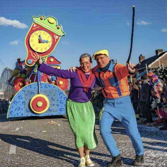 Carnavalskostuums aangeboden door CV de Jeugdbuk uit Budel.