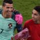 Brutale ballenjongen op het EK haalt ludieke actie uit tijdens de teamfoto