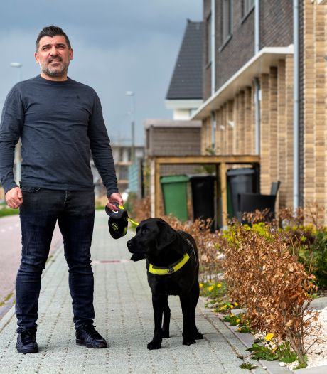 Turhan Günes kampt met 'kokerzicht' en krijgt na maanden strijd toch een blindengeleidehond