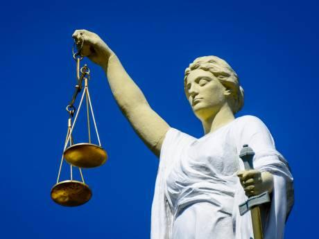 Moeder die elfjarige dochter liet stelen, veroordeeld tot werkstraf van 20 uur