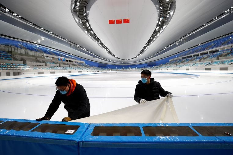De 'National Speed Skating Oval' in Beijing van binnen. Beeld Getty Images