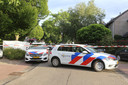De politie doet onderzoek in een huis in Sint-Michielsgestel waar een dode is gevonden.