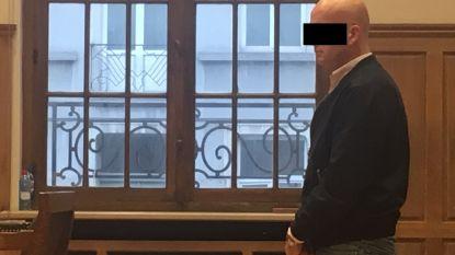 """Glurende cafébaas met indrukwekkende verzameling kinderporno vraagt opschorting straf: """"Slag in het gezicht van de slachtoffers"""""""
