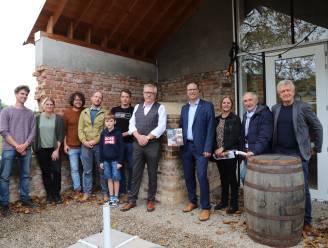 Oude bakoven van Paddenbroek opnieuw in gebruik genomen