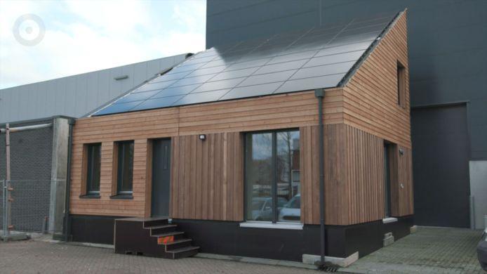 De houten systeembouwwoning Optimus uit de timmerfabriek Frank van Roij in Goirle is zeer duurzaam ontworpen met natuurlijke materialen, optimale isolatie, zonnepanelen. De eerste 16 worden gebouwd in Mierlo door woningbouwcorporatie Compaen. Het ontwerp is van NBArchitecten uit Best.