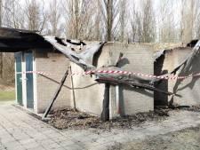 Voor de tweede keer brand in toiletgebouw aan de Grevelingendam; recreanten zijn de dupe