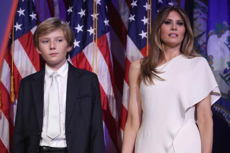 Barron Trump en zijn moeder Melania Trump. Beeld AFP