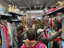 """Stormloop in grootste feestwinkel van Gent: """"Enorm veel vraag naar 'Squid Game' kostuum"""""""