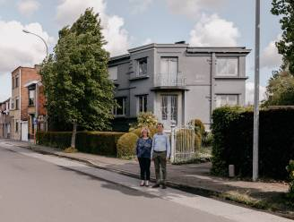 Inge (57) en Dirk (58) verkopen villa van architect die voorgevel schoenfabriek Eperon d'Or ontwierp