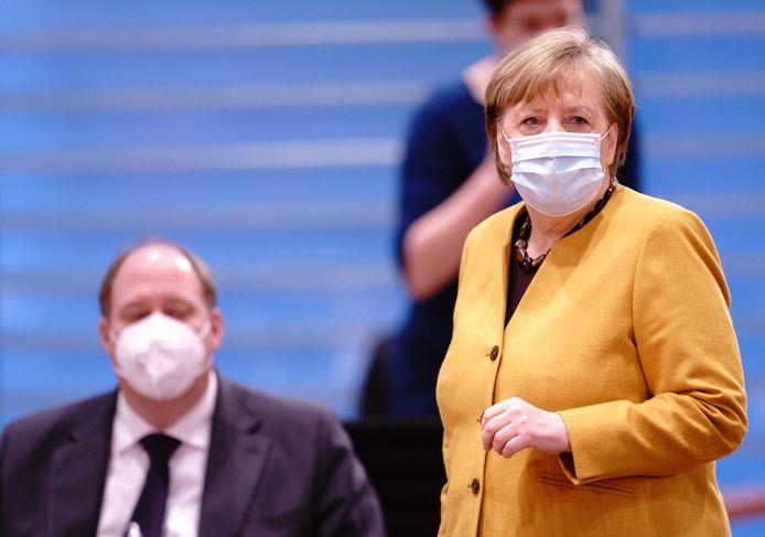 Stefchef Helge Braun en  Angela Merkel