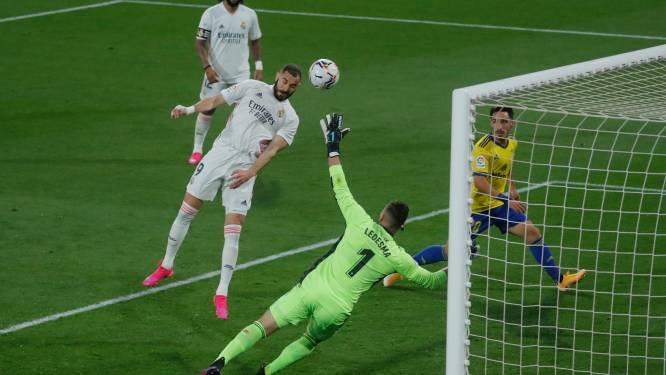 Benzema bezorgt gehavend Real Madrid met twee goals en assist zorgeloze avond in Cádiz