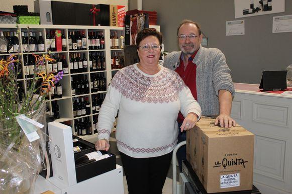 Marnix Buysse en Carline D'hertoge in het nieuwe afhaalpunt van Quinta das Vinhas.