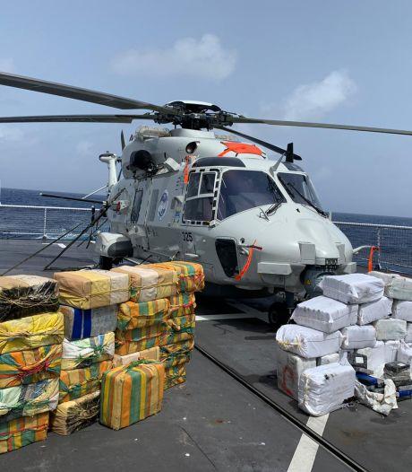 Militair schiet uit vliegende helikopter motoren drugsboot aan flarden