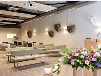 Uitvaartzorg Barthels neemt nieuwe aula in gebruik