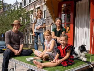 Stel reist jarenlang met kinderen wereld rond: 'Aan ervaringen heb je meer dan aan een pop'