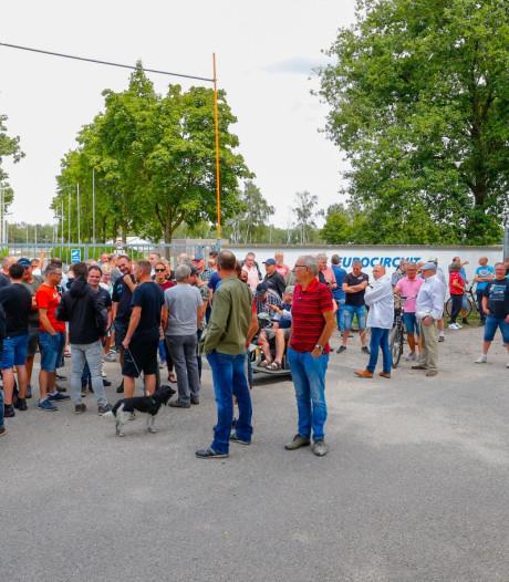 Rallycross-liefhebbers verzamelen zich bij Eurocircuit in Valkenswaard: 'Dit is wat onze sport nodig heeft'