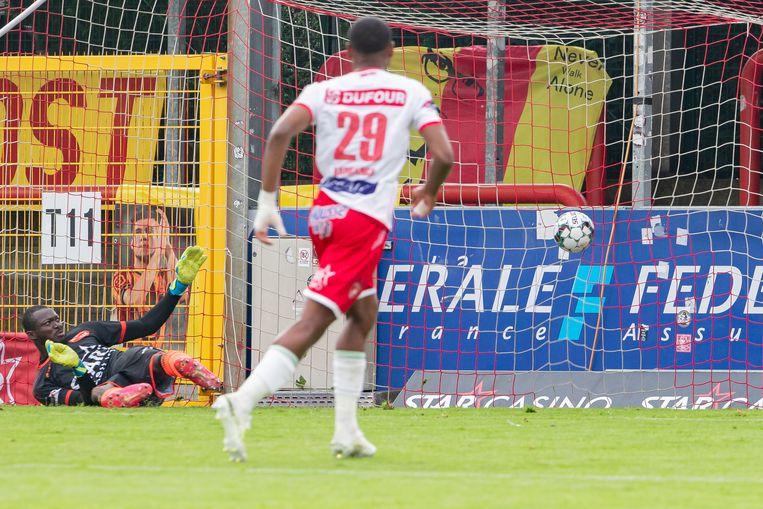 De derde Mechelse penalty vliegt uiteindelijk tegen de netten.