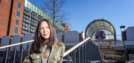 Anja knokt tegen hoge Aarhof-torens en presenteert alternatief plan: 'Goedkoper én minder hoog'