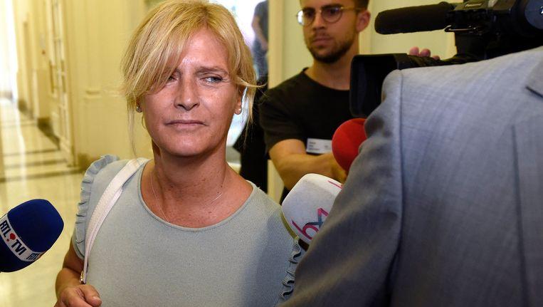 Pascale Peraïta kwam in nauwe schoentjes toen duidelijk werd dat ze, net als gewezen burgemeester Yvan Mayeur, riante zitpenningen opstreek bij de Brusselse daklozenorganisatie Samusocial.