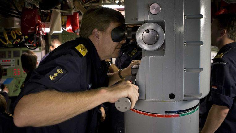 Koning Willem-Alexander in juli aan boord van de Nederlandse onderzeeboot Bruinvis, tijdens een oefening in de Oostzee. Beeld anp