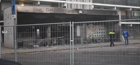 Politie bevestigt: Vuurwerk fatale flatbrand was op bank gelegd