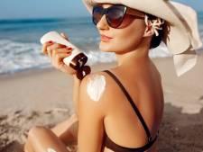 Zonnebrandcrème komt ook ín je lichaam terecht: zo gevaarlijk is dat