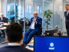 Minister Grapperhaus bezoekt fruithandel De Groot: 'Het is een zware tijd geweest voor mensen die er werken'